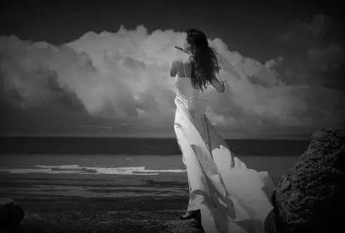 水云魅影丨脆弱的情感,璀璨伊始的梦